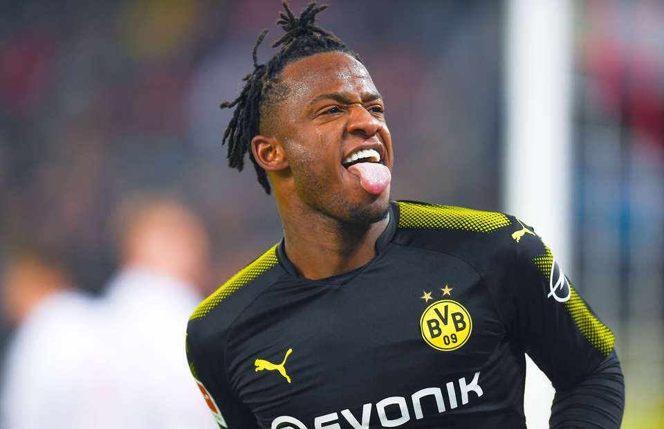 Valencia are hoping to hold onto Chelsea striker Michy Batshuayi.