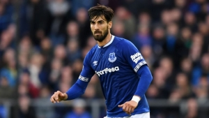 Barcelona management want to sell midfield pair Andre Gomes and Denis Suarez this summer.