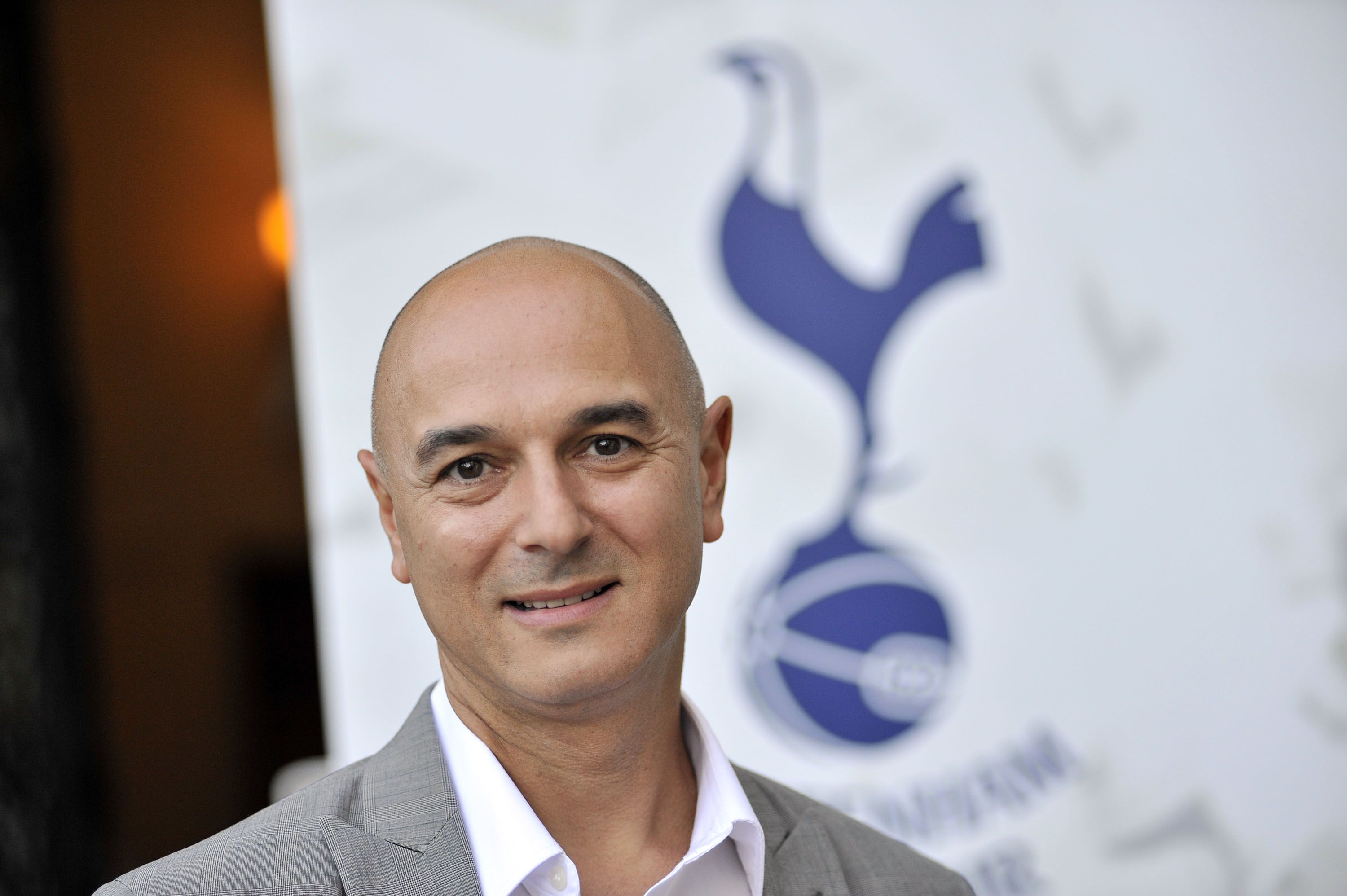 Daniel Levy is determined to keep Mauricio Pochettino away from Manchester United.