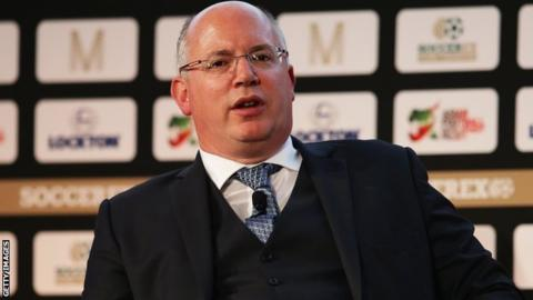 The chief executive of the EFL, Shaun Harvey, is set to step down from his role.